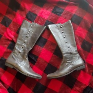 EUC Born Tall Gray Leather Boots